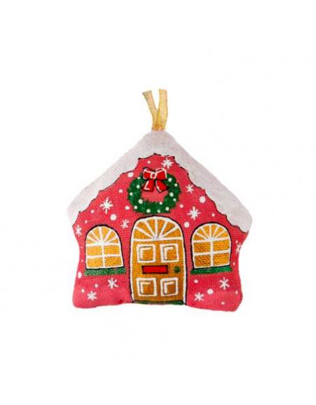 Домик красный с  рождественским венком