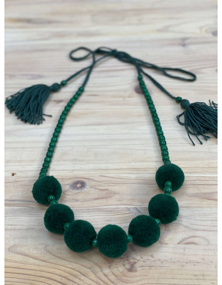 One Row Green Necklace with Tassels