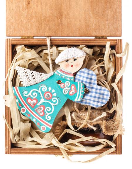 Набір №12b. Дерев'яна коробка, янгол дерев'яний, мед, чай, сіно
