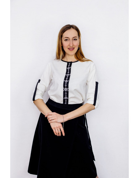 Shirt with Delicate Monochrome Embroidery