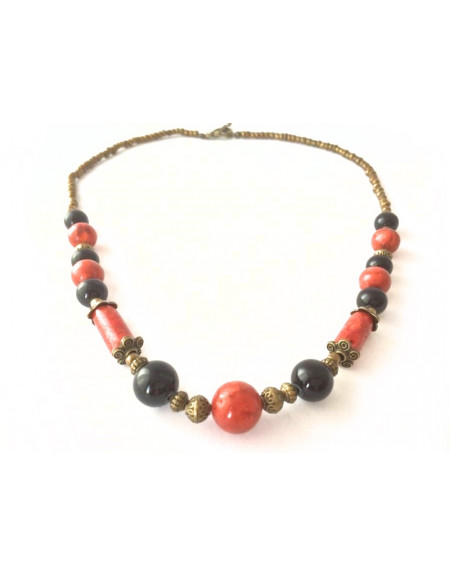 Necklace made of coral and agate