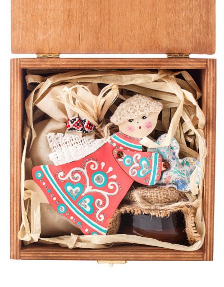 Набір №12k. Дерев'яна коробка, янгол дерев'яний, мед, чай, сіно