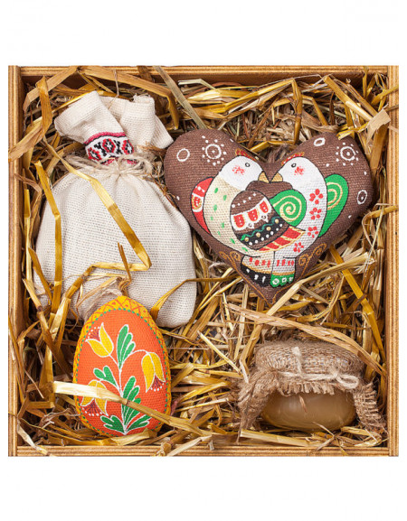 Set #54. Wooden box, Easter egg, heart, tea, honey, hay