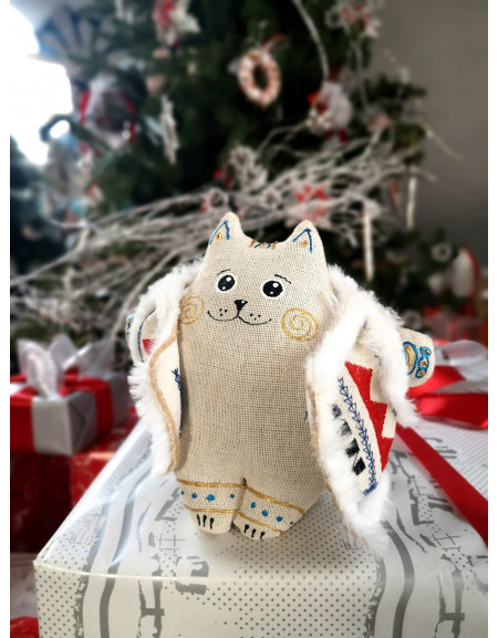 Fatty Cat in a sheepskin mantle (white)