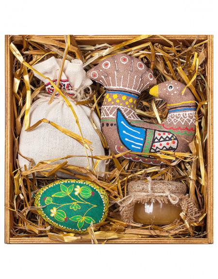 Набор №49. Деревянная коробка, горлица, яйцо, чай, мед, сено