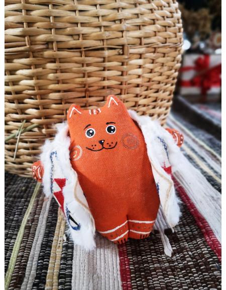 Fatty Cat in a sheepskin mantle (red)