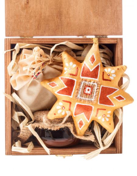 Набір №15. Дерев'яна коробка, зірка різдв'яна, мед, чай, сіно