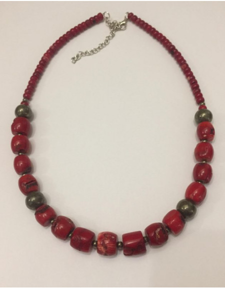 Necklace for one row of large coral