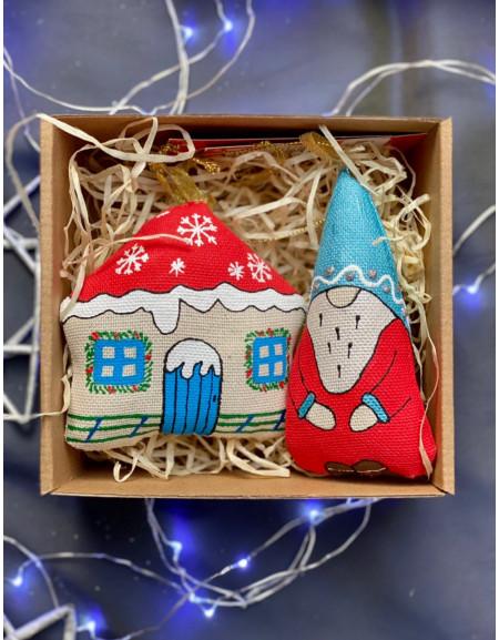 Set of vanilla toys Hut and Dwarf